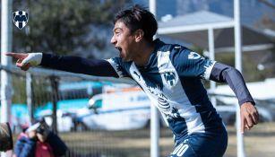 Kaleth Hernández en festejo de su gol olímpico