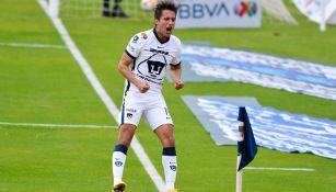 Carlos Gutiérrez festeja su diana ante el Mazatlán FC
