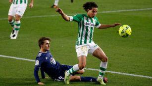 Diego Lainez en un partido del Real Betis