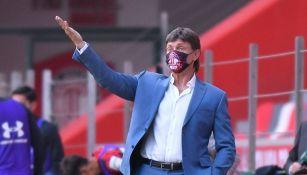Hernán Cristante en el partido con Toluca