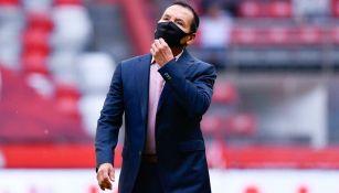 José Guadalupe Cruz dirigiendo partido