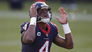 Deshaun Watson se lamenta en un partido con Texans