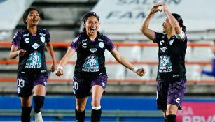 Mónica Ocampo celebra el gol de la victoria