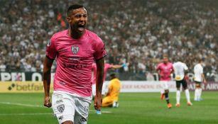 Gabriel Torres festeja un gol con Independiente del Valle