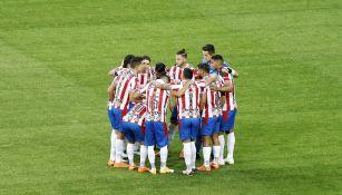 Jugadores de Chivas previo a un partido