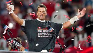 Tom Brady festeja la victoria sobre Chiefs
