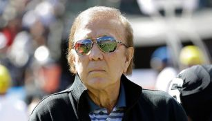 Tom Flores, primer coach latino en ingresar al Salón de la Fama