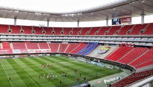 Estadio Akron podría volver a lucir con público