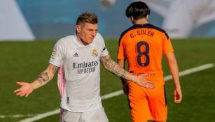 Toni Kroos en el partido entre el Real Madrid y el Valencia