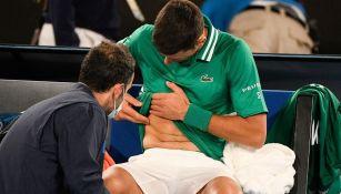 Novak Djokovic sufrió una lesión muscular