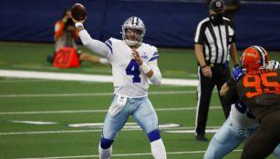 Dak Prescott, en acción con los Cowboys