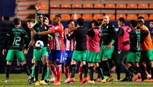 Conato de bronca entre Santos y Atlético de San Luis