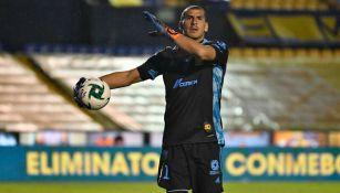 Nahuel Guzmán en acción con Tigres