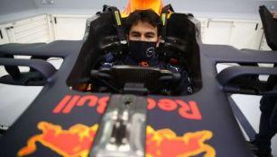 Sergio Pérez en auto de Red Bull