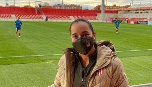 Charlyn Corral posa en entrenamiento del Atlético
