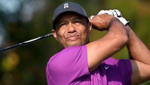 Tiger Woods se recupera de larga cirugía en pie, tobillo, tibia y peroné