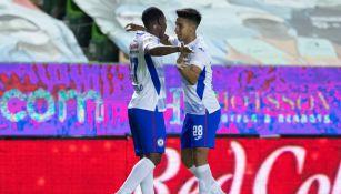 Angulo y Fernández celebran gol frente a León