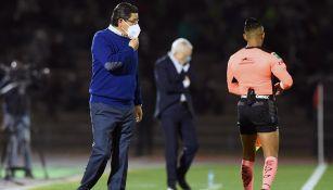 Luis Fernando tena durante el duelo ante Rayados
