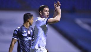 Santiago Ormeño en el partido de Puebla vs Necaxa