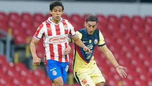 Macías lucha con Cáceres en un Clásico Nacional