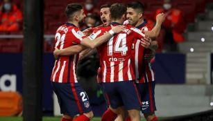 Jugadores del Atlético celebran gol vs Athletic