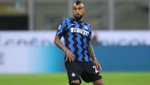 Arturo Vidal durante un duelo con el Inter de Milán