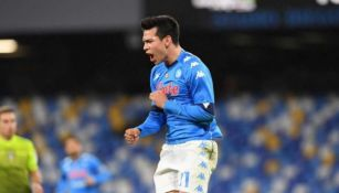 Chucky Lozano durante un partido con Napoli