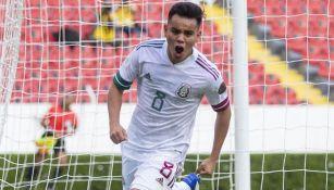 Carlos Rodríguez festeja su gol ante Dominicana