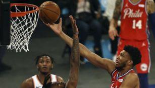 Acciones entre los Philadelphia 76ers y los New York Knicks