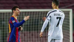 Messi y Cristiano se saludan en juego entre el Barça y la Juve