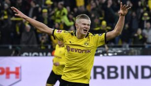 Erling Haaland festeja un gol con el Dortmund