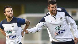 Gignac junto a Valbuena en la Selección de Francia