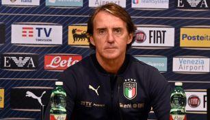 Roberto Mancini DT de la Selección Italiana en conferencia de prensa