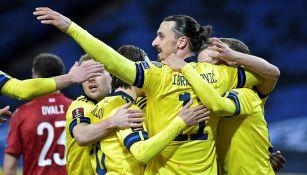 Zlatan Ibrahimovic festeja el gol de Suecia ante Georgia