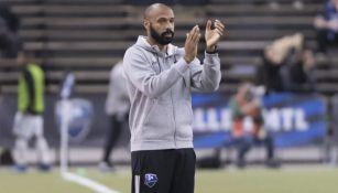 Thierry Henry observa un duelo en la MLS