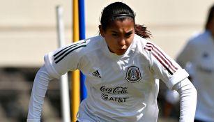 Nicole Pérez en un entrenamiento de la Selección Mexicana