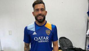 Carlos Tevez con el uniforme alternativos