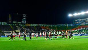 Estadio León en el partido entre León y Necaxa