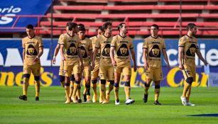 Jugadores de Pumas previo al duelo ante el Atlético de San Luis