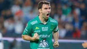 Mauro Boselli en festejo de gol