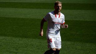 Alejandro 'Papu'Gómez durante un duelo con el Sevilla