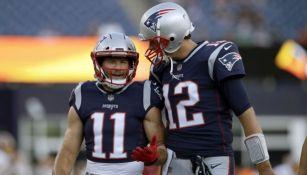 Tom Brady y Julian Edelman juntos en un partido de los Patriots