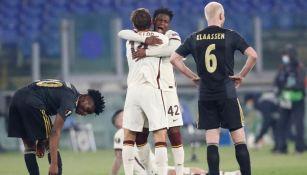 Jugadores de la Roma festejando su pase a Semifinales