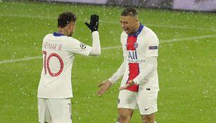 Neymar y Mbappé en el duelo entre PSG y el Bayern Munich
