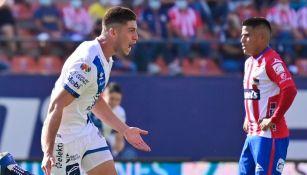 Ormeño tras anotar el primer gol del Puebla