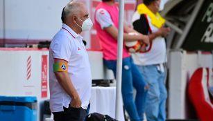 Guillermo Vázquez durante el duelo ante Gallos