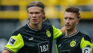 Haaland y Reus en festejo con el Dortmund