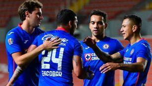 Jugadores de La Máquina festejan gol