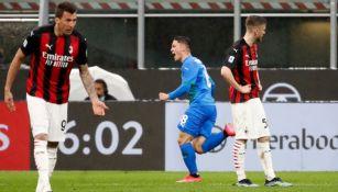 Giacomo Raspadori festejando el gol del triunfo del Sassuolo sobre el Milan
