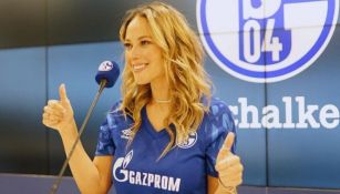 Vanessa Huppenkothen lamentó el descenso del Schalke 04 de la Bundesliga